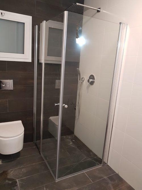מקלחון פינתי לפי מידה קבוע ושתי דלתות