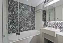 אמבטיון קבוע ודלת