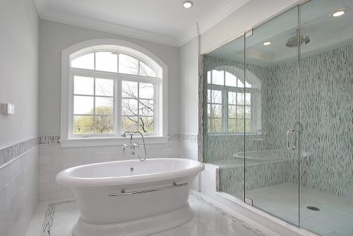 מקלחון חזית עם שני קבועים ודלת