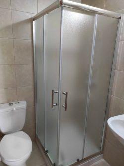 מקלחון פינתי מרובע הזזה 77-78.5
