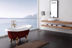 אמבטיה לבנה FREESTANDING עם רגליים